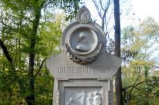 Denkmal Louise Otto-Peters am heutigen Standort im Leipziger Rosental