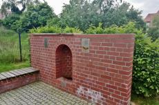Der neue artesische Stadtbrunnen von Bad Düben. Foto R. Zenger.